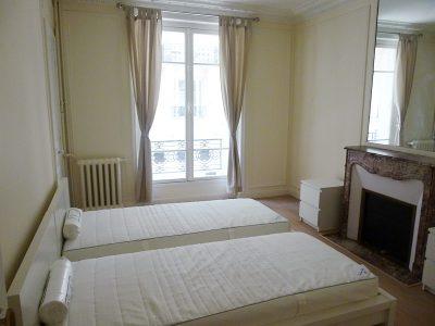 パリ(ベッドルーム)